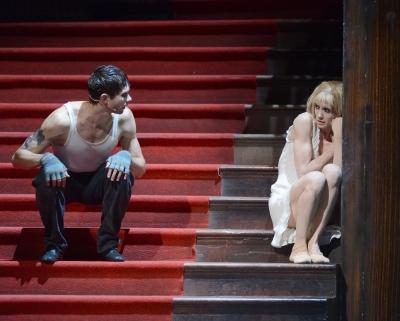 Alicia Amatriain as Lulu and Louis Stiens as SchigolchPhoto Stuttgart Ballet