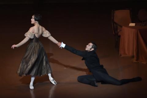 Finely crafted, marvellous theatre: John Cranko's Onegin in Stuttgart