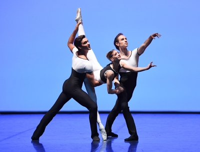Martí Fernández Paixà, Alicia Amatriain and Roman Novitzkyin Suiteby Uwe ScholzPhoto Stuttgart Ballet