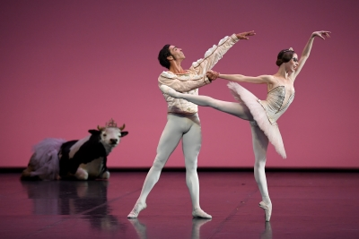 Elisa Badenes and Jason Reilly in Le Grand Pas de Deux by Christian SpuckPhoto Stuttgart Ballet