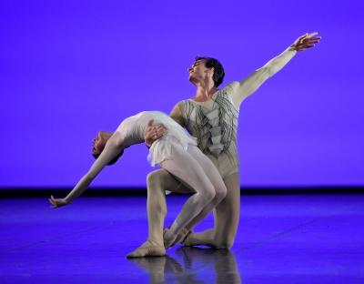 Hyo-Jung Kang and Martí Fernández Paixà in the Sanctus pas de deux from Kenneth MacMillan's RequiemPhoto Stuttgart Ballet