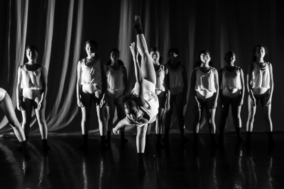 34/18 Youth Dance Company in SurrealPhoto Shaun Conway