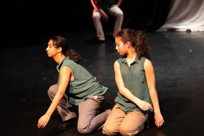 34/18 Youth Dance Company in UFOURPhoto Shaun Conway