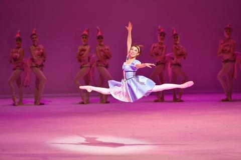 An entertaining ride: Hong Kong Ballet in ALICE (in Wonderland)
