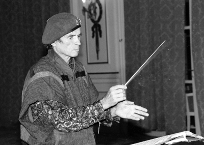 Rudolf Nureyev conducting in Deauville in 1991Photo Roland Godefroy (via Wikicommons)