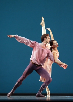 Anna Ol and Artur Shesterikov in Dances at a Gathering by Jerome RobbinsPhoto Hans Gerritsen