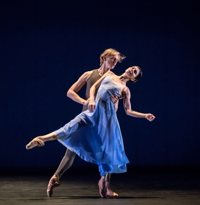 Natalia Osipova and David Hallberg in Valse Triste by Alexei RatmanskyPhoto Johan Persson
