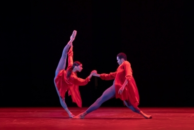 Céline Gittens and Brandon Lawrence as Fire in Ignite by Juanjo ArquésPhoto Andrew Ross