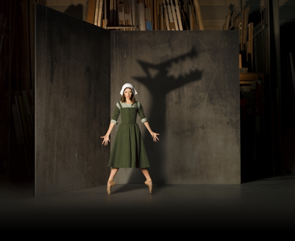 Scottish Ballet presents The CruciblePhoto Nicola Selby