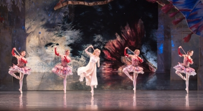Karla Doorbar as Clara with artists of Birmingham Royal Balletin the Dance of the MirlitonsPhoto Andrew Ross