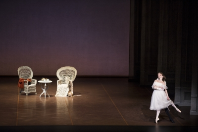 Anna Laudere and Edvin Revazov in The Lady of the CamelliasPhoto Kiran West