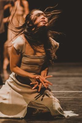 Aki Sato in Akram Khan's GisellePhoto Nicha Rodboon