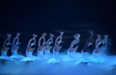 English National Ballet in Swan LakePhoto Laurent Liotardo