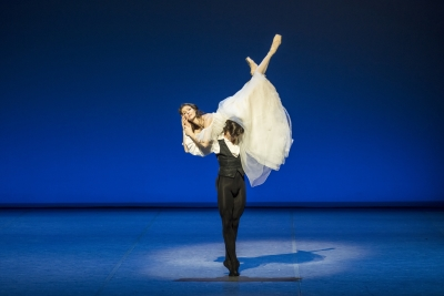 Hamburg Ballet in Die Kameliendame (Lady of the Camellias) from The World of John Neumeier(dancers pictured: guest performer Alina Cojocaru with Alexandr Trusch)Photo Kiran West