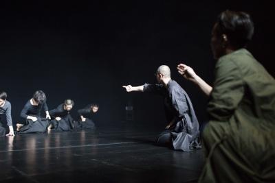 Tao Ye and TAO Dance Theater in rehearsalPhoto Zhang Shengbin
