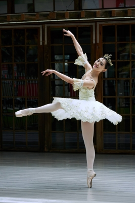Wang Hsuan-hui in an Act III Aurora solo from The Sleeping BeautyPhoto courtesy Taiwan Ballet Company