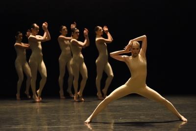 Gauthier Dance in Killer PigPhoto Regina Brocke