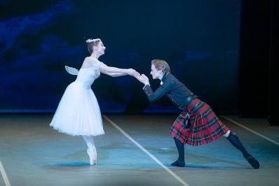 Maria Kochetkova and Daniil Simkin in La SylphidePhoto Jack Devant