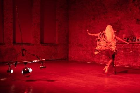 Peter Pleyer's triton tanzt.twisted trident