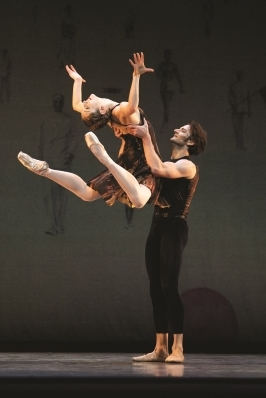 Jennifer Stahl and Aaron Robison in Alexei Ratmansky's Symphony #9Photo Erik Tomasson