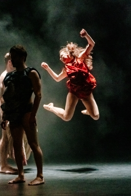 Scottish Dance Theatre in The Circle by Emanuel GatPhoto Brian Hartley 1