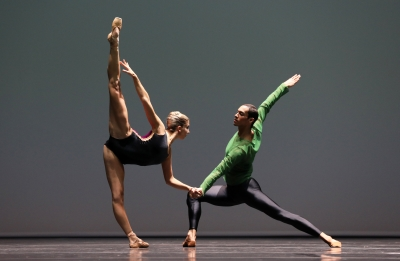 Sasha Mukhamedov and Nathan Brhane in Pas/Parts by William ForsythePhoto Hans Gerritsen
