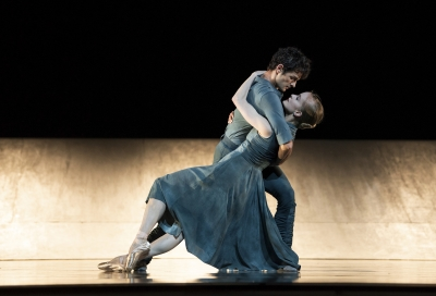 Sasha De Sola and Angelo Greco in HummingbirdErik Tomasson