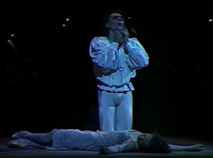 Viktor Dik and Natalya Ledovskaya in Yuri Grigorvich's Romeo and Juliet