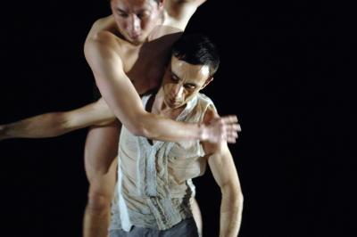 Xuan Shi and Juan Kruz Diaz de Garaio Esnaola in Impromptus by Sasha WaltzPhoto Sebastian Bolesch
