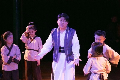 Monte Meng (centre) as Prince En in XchangePhoto courtesy Dramatic English Shenzhen
