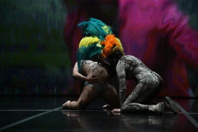Dançando com a Diferença in Happy Island by La RibotPhoto Caroline Morel Fontaine