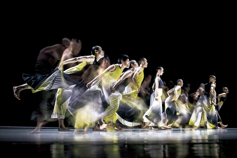TAO Dance Theater in Multiplication by Cheng Tseng-lungPhoto Liu Chen-hsiang