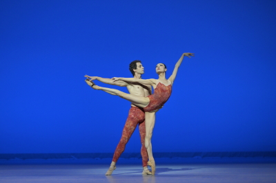 Vitor Luiz and Tan Yuan Yuan in the pas de deux from BellsPhoto Conrad Dy-Liacco