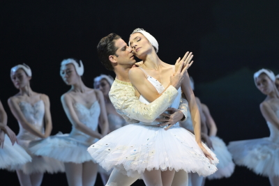 Marcelo Gomes and Dorothée Gilbert in the Act II pas de deux from Swan LakePhoto Conrad Dy-Liacco