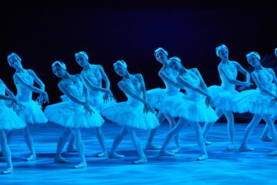 Hong Kong Ballet in Swan LakePhoto Keith Hiro