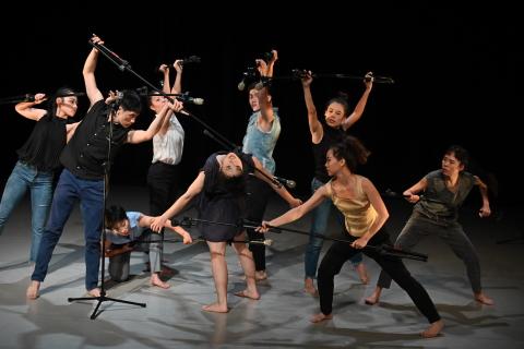 溝通不良、各說各話以及「朶拉」:三十舞蹈劇場《白眼翻翻 2.0》