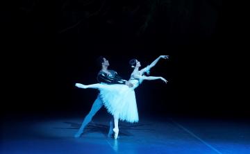 Yasmine Naghdi and Matrcelino Sambe in GisellePhoto Kristyna Kashvili
