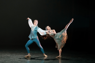 Matteo Zecca and Ellise de Andrade in Christopher Gable's CinderellaPhoto Riku Ito