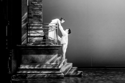 Abigail Prudames and Federico Bonelli in Massimo Maricone's Romeo and JulietPhoto Riku Ito