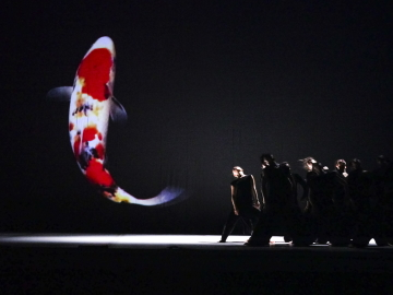 Cloud Gate Dance Theatre in 13 Tongues by Cheng Tsung-lungPhoto Liu Chen-hsiang