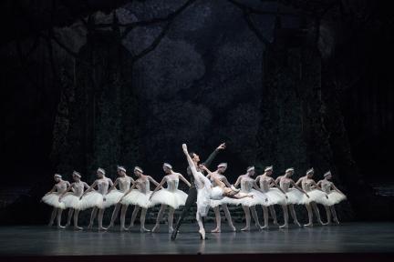 Samara Downs glitters in Birmingham Royal Ballet's Swan Lake