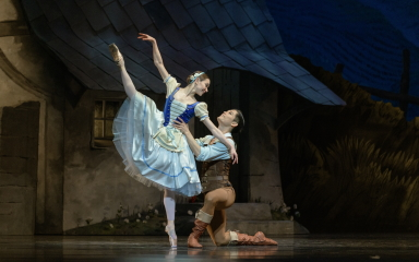 Anna Öl and Young Gyu Choi in GisellePhoto Marc Haegeman