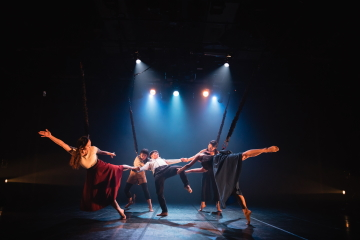 Sun-Shier Dance Theatre in The Urge to Soar by Lin Yi-chiehPhoto Lin Zhan-huan 2