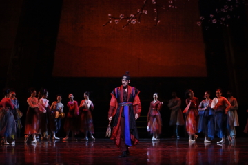 Minwoo Kang as new governor Hakdo Byunin The Love of ChuhyangPhoto Universal Ballet/Kyoungjin Kim