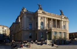 Swiss theatres allowed to reopen with restrictions