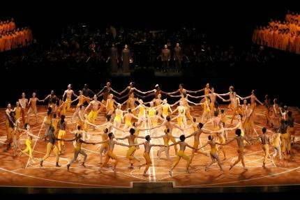 Spectacle on a grand scale: Béjart Ballet Lausanne in Maurice Béjart's The Ninth Symphony
