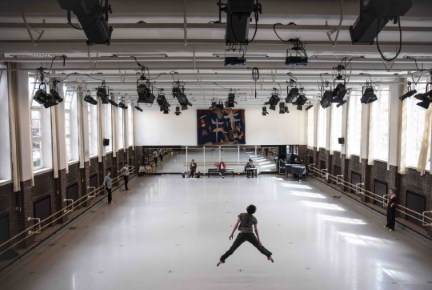 John Neumeier creates Ghost Light, a new ballet respecting social distancing