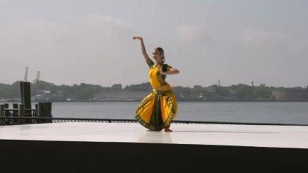 Sophia Salingaros dancing Shambho Mahadeva by Sreedhara AkkihebbaluScreenshot from film