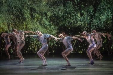 Birmingham Royal Ballet in Lazuli SkyPhoto Johan Persson