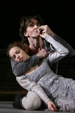 Ekaterina Krysanova and Vladislav Lantratov in Alexei Ratmansky's Romeo and JulietPhoto Damir Yusupov